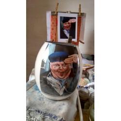 65 Zandschildering Benny Hill